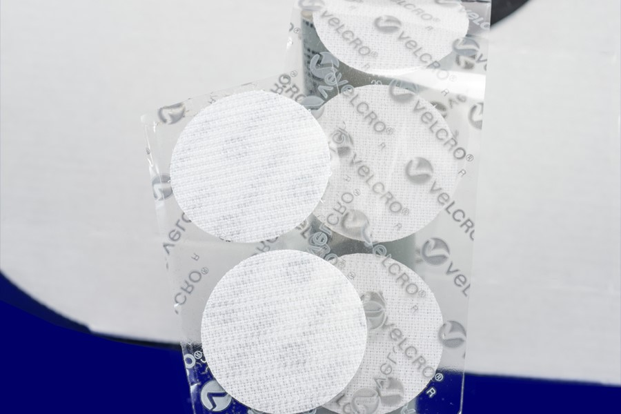 VELCRO® Brand VELCOIN® fasteners can be used to fasten shirts.